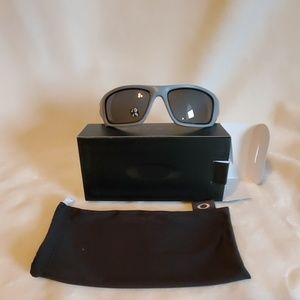 Oakley Valve Polarized Sunglasses Matte Fog
